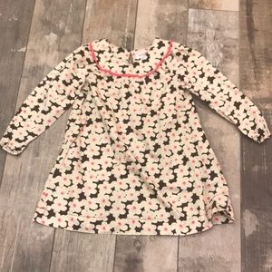 Cute girls  long shirt or dress. Size 5T